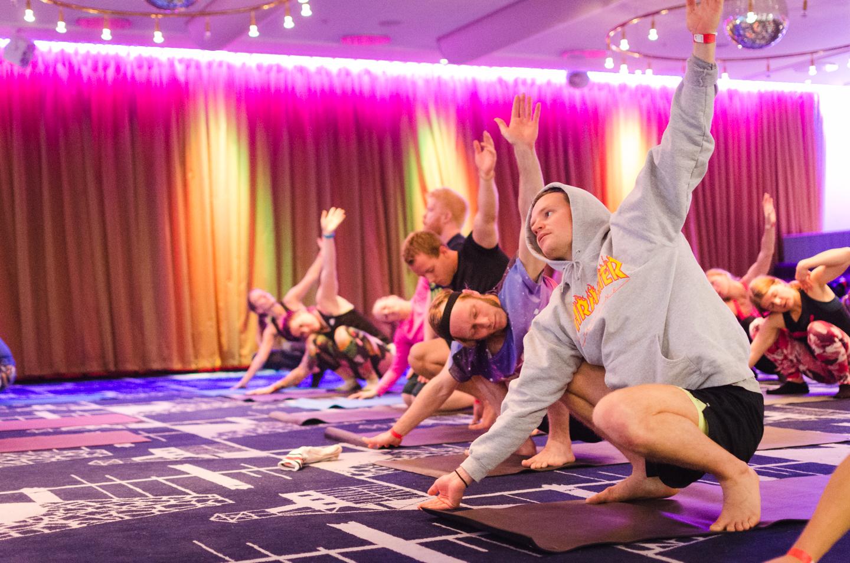 Yoga with Tiina Ravelin at Träningsfesten Gällivare